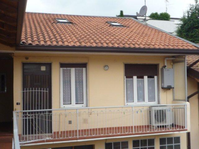 Appartamento in affitto a Rho, 2 locali, zona Zona: Mazzo, prezzo € 650 | CambioCasa.it