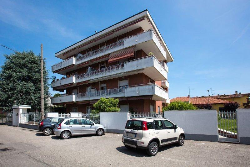 Appartamento in vendita a Cornaredo, 3 locali, prezzo € 190.000 | Cambio Casa.it