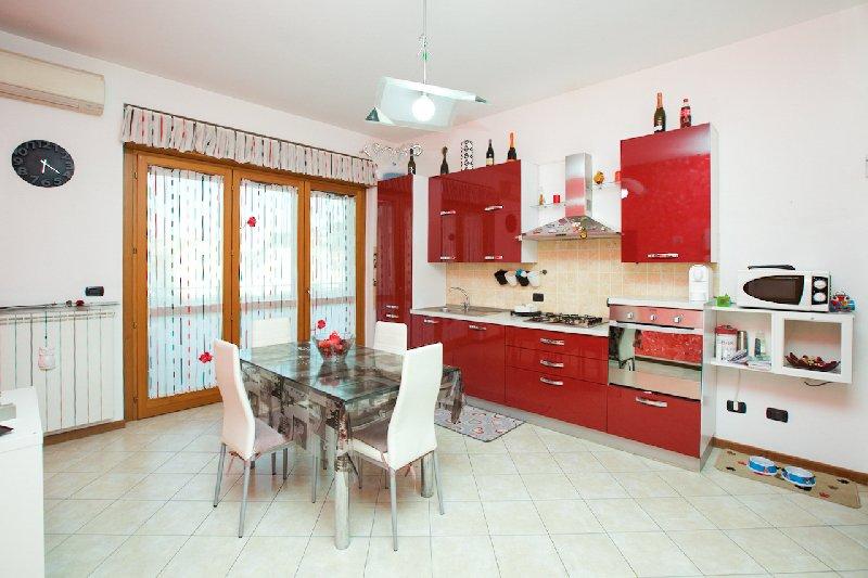 Appartamento in vendita a Rho, 3 locali, zona Zona: Terrazzano, prezzo € 175.000 | CambioCasa.it