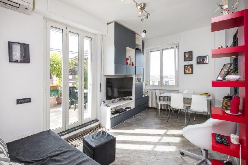 Appartamento in vendita a Milano, 2 locali, zona Località: Monza, prezzo € 220.000 | CambioCasa.it