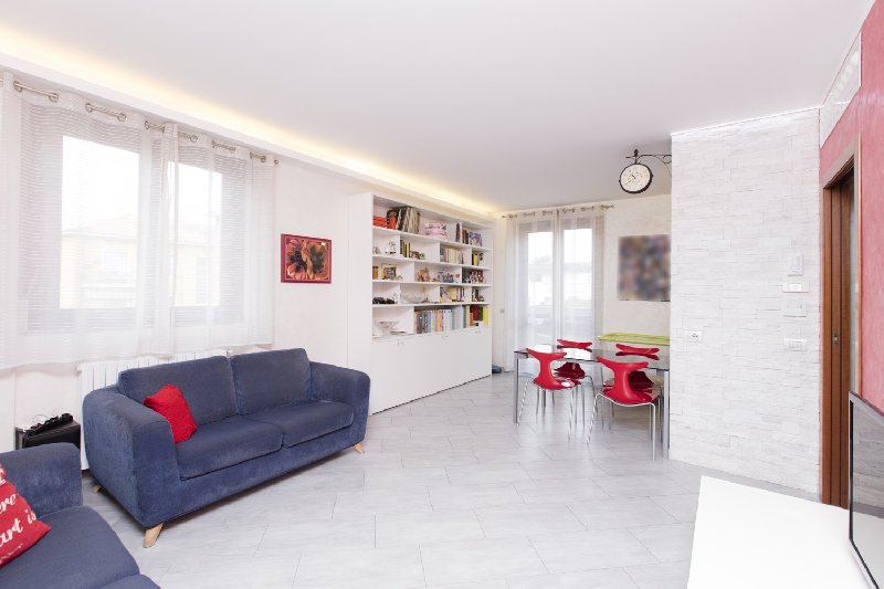 vendita appartamento rho   219000 euro  3 locali  95 mq