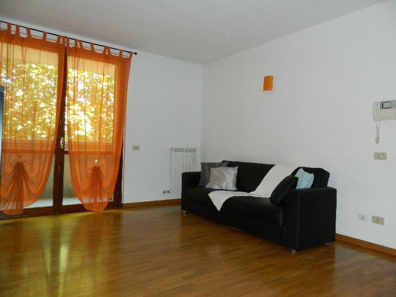 Appartamento in affitto a San Vittore Olona, 2 locali, prezzo € 520 | CambioCasa.it