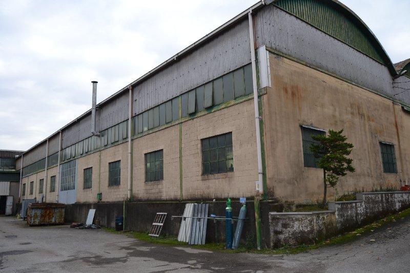 Capannone in vendita a Solaro, 9999 locali, prezzo € 650.000 | CambioCasa.it