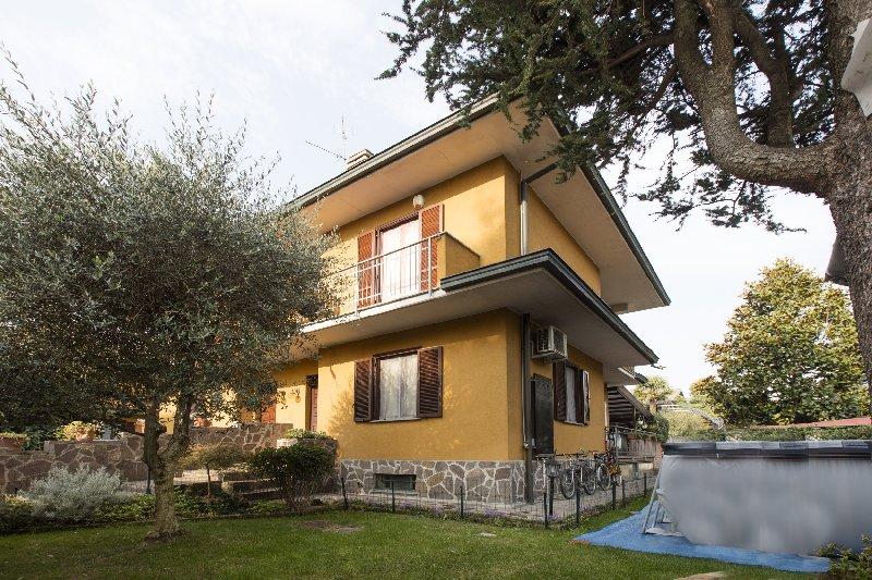 Villa a Schiera in Vendita a San Vittore Olona