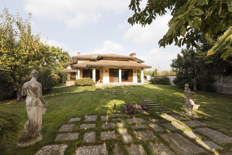 Villa in Vendita a Nerviano