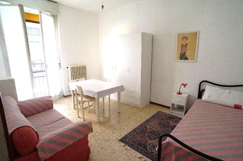 Appartamento in affitto a Pavia, 3 locali, zona Zona: S. Pietro - V.le Cremona, prezzo € 390 | Cambiocasa.it