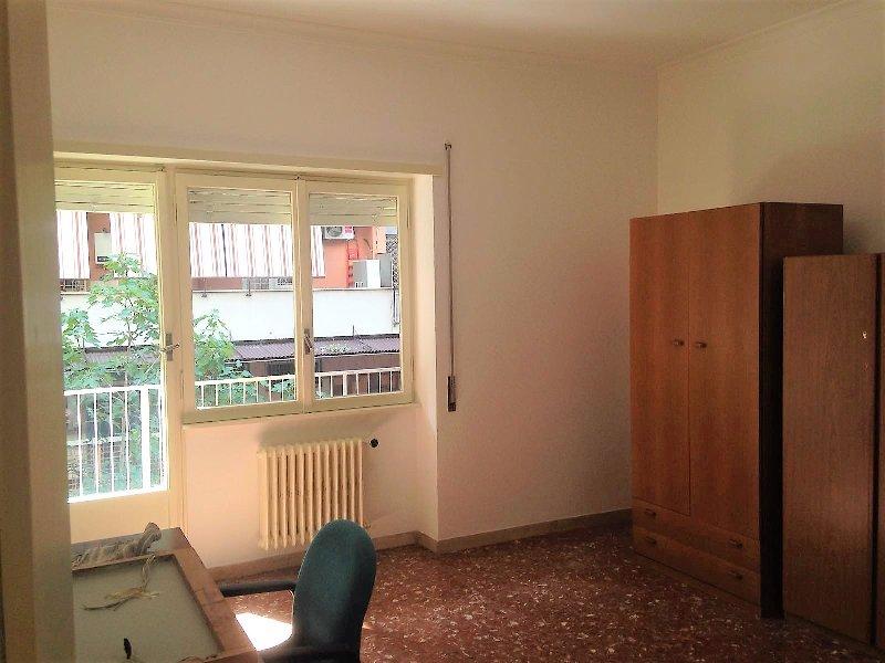 Appartamento in vendita a Roma, 4 locali, zona Zona: 12 . Cinecittà,Don Bosco, Lucrezia Romana, prezzo € 295.000 | CambioCasa.it