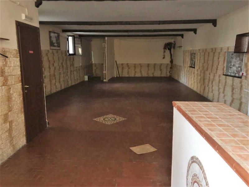 Immobile Commerciale in affitto a Frascati, 1 locali, prezzo € 900 | CambioCasa.it