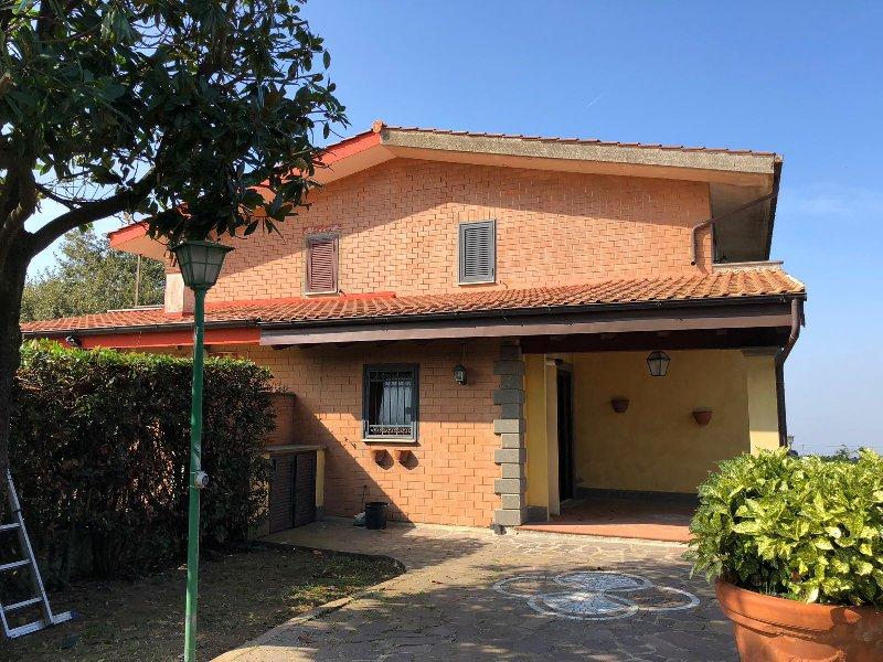 Villa in vendita a Rocca di Papa, 5 locali, prezzo € 289.000 | CambioCasa.it