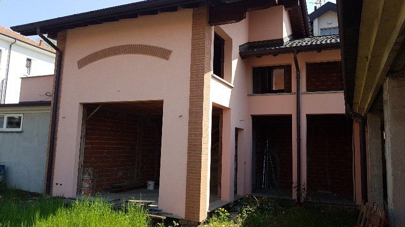 Soluzione Semindipendente in vendita a Carnago, 4 locali, prezzo € 290.000 | CambioCasa.it