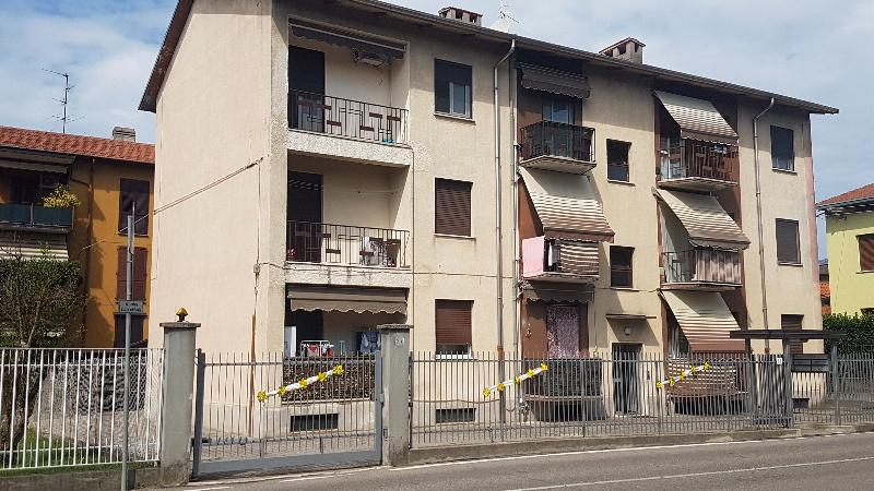 Appartamento in vendita a Oggiona con Santo Stefano, 4 locali, zona Zona: Santo Stefano, prezzo € 125.000 | CambioCasa.it