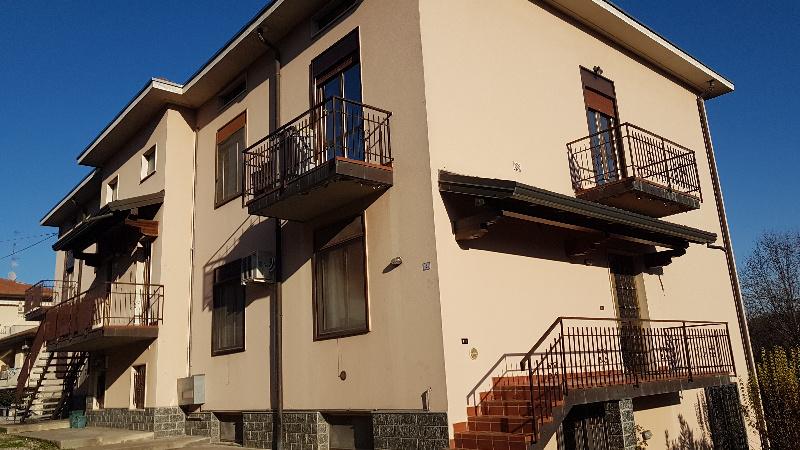 Appartamento in vendita a Oggiona con Santo Stefano, 4 locali, zona Zona: Oggiona, prezzo € 144.000 | CambioCasa.it