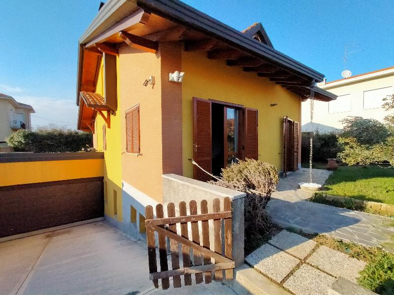 Vendita Villa unifamiliare Casa/Villa Lonate Pozzolo Via rosate 251308