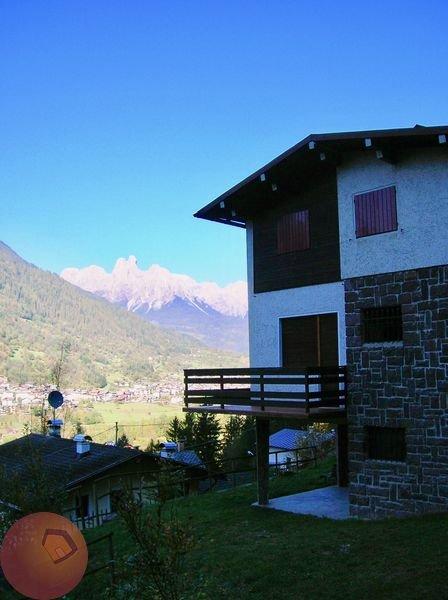 Villa in vendita a Imer, 5 locali, prezzo € 220.000 | CambioCasa.it