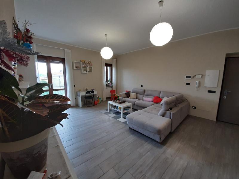 Appartamento in vendita a Albizzate, 3 locali, prezzo € 155.000   PortaleAgenzieImmobiliari.it