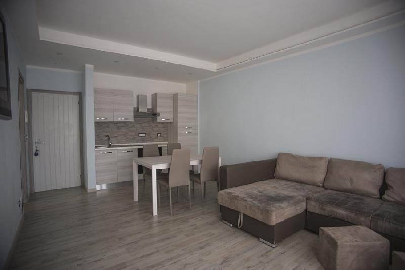 Appartamento in affitto a Manerba del Garda, 3 locali, zona Zona: Pieve, prezzo € 10 | CambioCasa.it