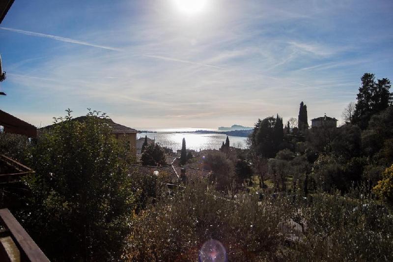 Villa a Schiera in affitto a Gardone Riviera, 5 locali, prezzo € 2.700 | PortaleAgenzieImmobiliari.it