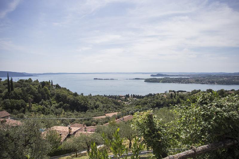 Appartamento in affitto a Gardone Riviera, 4 locali, zona nico, prezzo € 2.100 | PortaleAgenzieImmobiliari.it