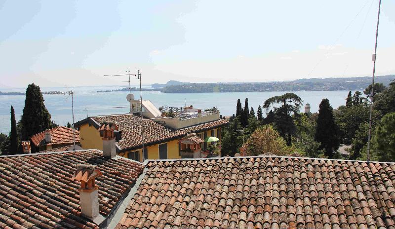 Appartamento in affitto a Gardone Riviera, 3 locali, prezzo € 1.750 | PortaleAgenzieImmobiliari.it
