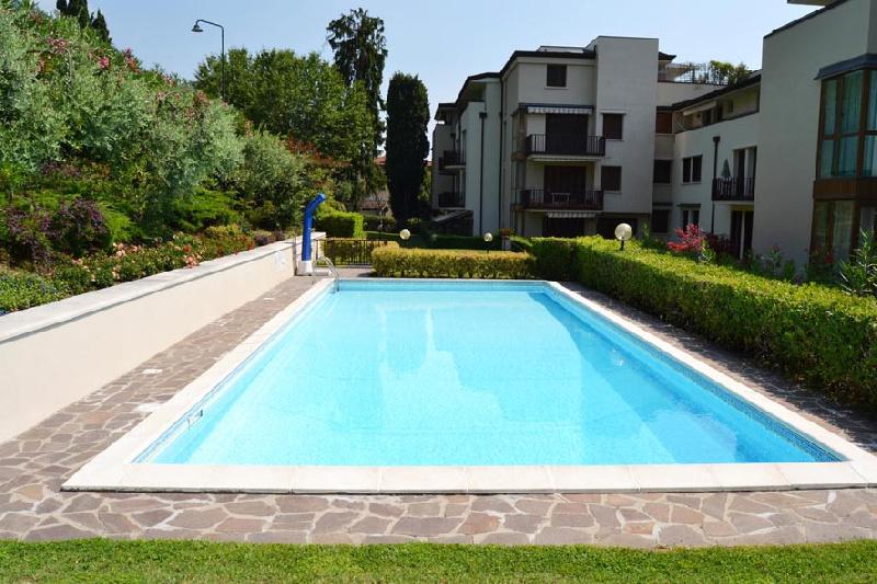 Appartamento in affitto a Gardone Riviera, 3 locali, prezzo € 2.500 | PortaleAgenzieImmobiliari.it