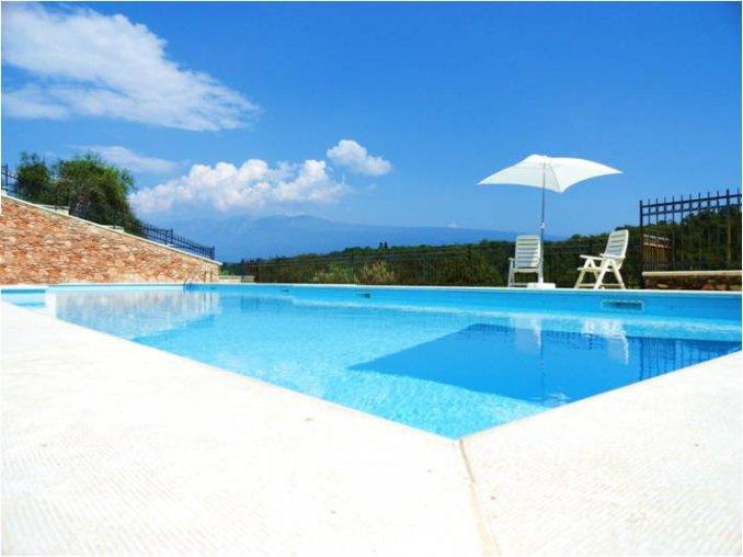 Appartamento in affitto a Toscolano-Maderno, 2 locali, prezzo € 3.400   CambioCasa.it