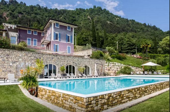 Appartamento in affitto a Salò, 5 locali, prezzo € 10 | CambioCasa.it