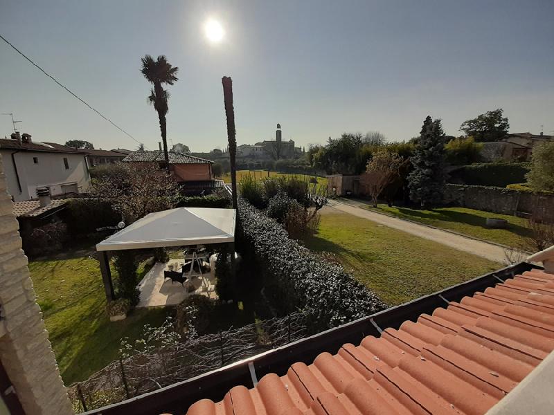 Casa indipendente in affitto a San Felice Del Benaco (BS)