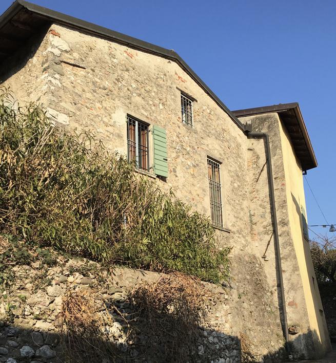 Soluzione Indipendente in affitto a Salò, 6 locali, zona Zona: Villa, prezzo € 10 | CambioCasa.it