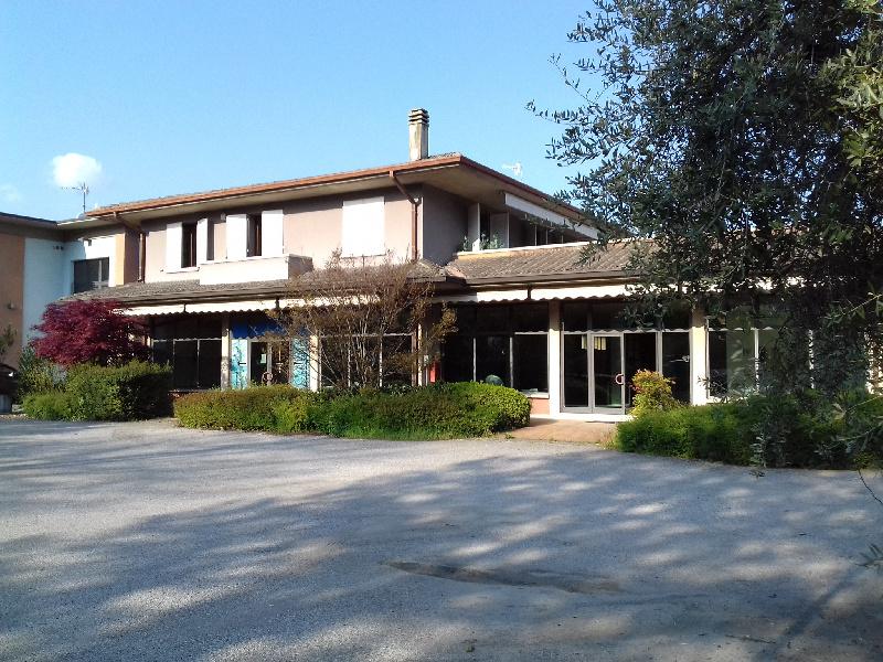 Immobile Commerciale in vendita a Salò, 10 locali, zona ttone, prezzo € 1.800.000 | PortaleAgenzieImmobiliari.it