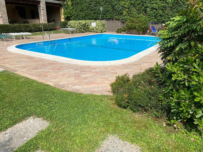 Appartamento in affitto a Padenghe sul Garda, 3 locali, prezzo € 10 | CambioCasa.it