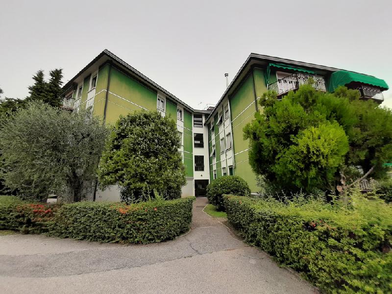 Appartamento in vendita a Salò, 5 locali, prezzo € 285.000   CambioCasa.it