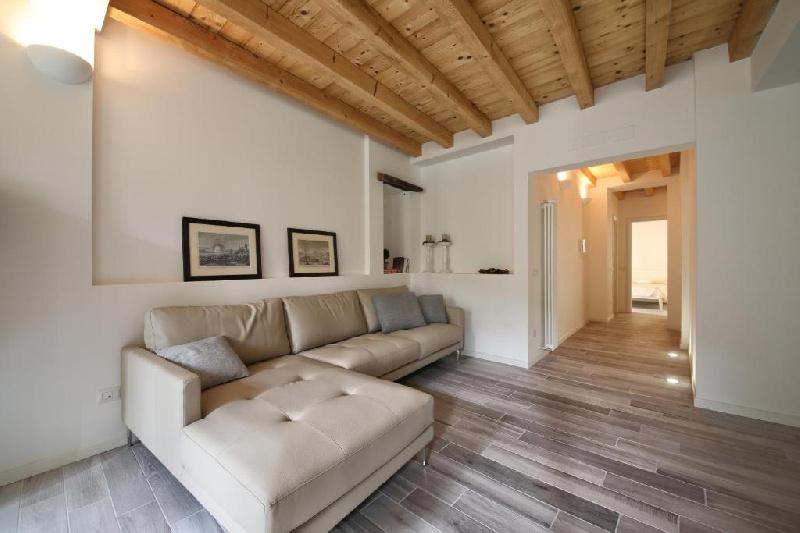 Appartamento in affitto a Toscolano-Maderno, 5 locali, zona Zona: Maderno, prezzo € 3.800   CambioCasa.it