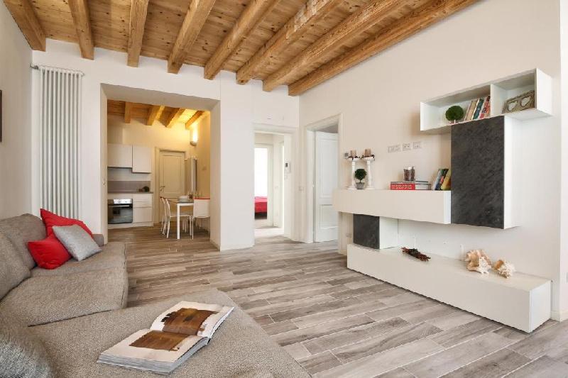 Appartamento in affitto a Toscolano-Maderno, 3 locali, zona Zona: Maderno, prezzo € 3.500   CambioCasa.it