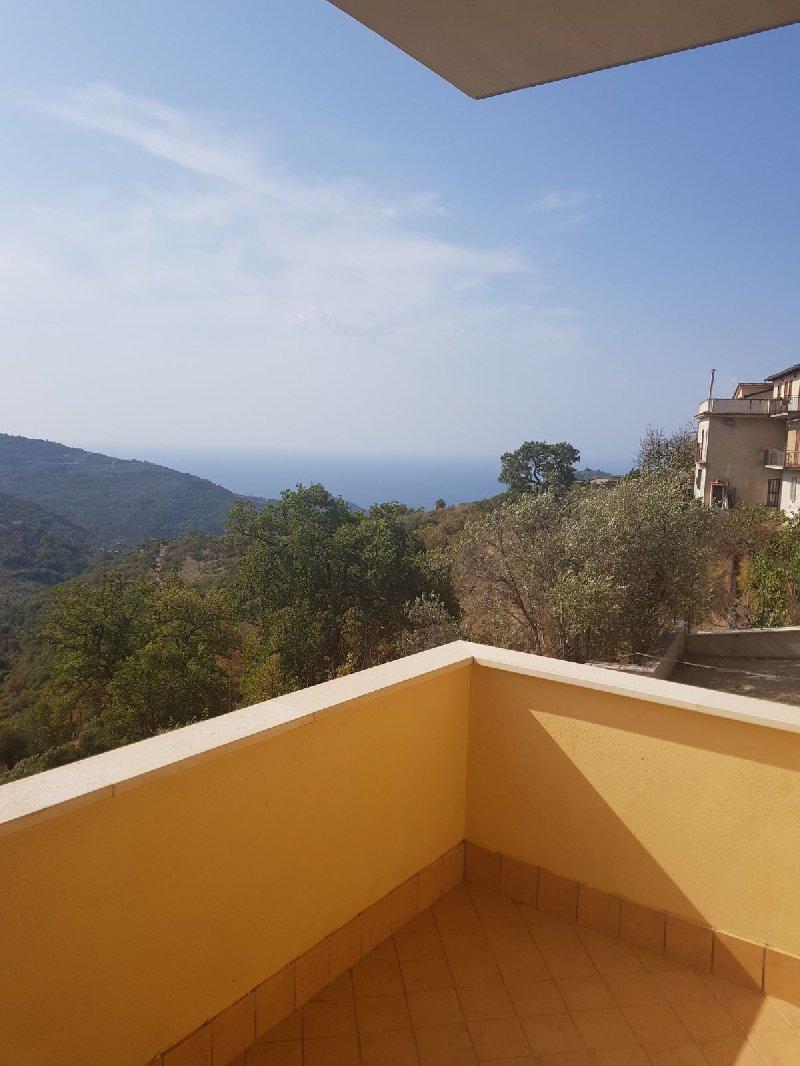 Appartamento in vendita a San Mauro Cilento, 3 locali, prezzo € 85.000 | CambioCasa.it