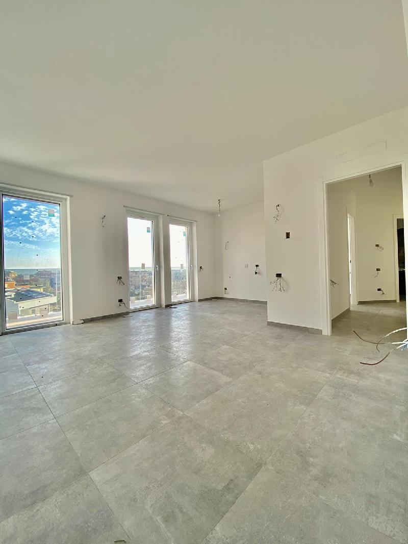 Appartamento in vendita a Fiumicino, 3 locali, zona Zona: Isola Sacra, prezzo € 227.000   CambioCasa.it
