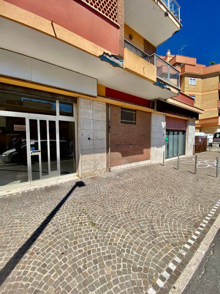 Immobile Commerciale in vendita a Fiumicino, 2 locali, zona Zona: Isola Sacra, prezzo € 190.000   CambioCasa.it