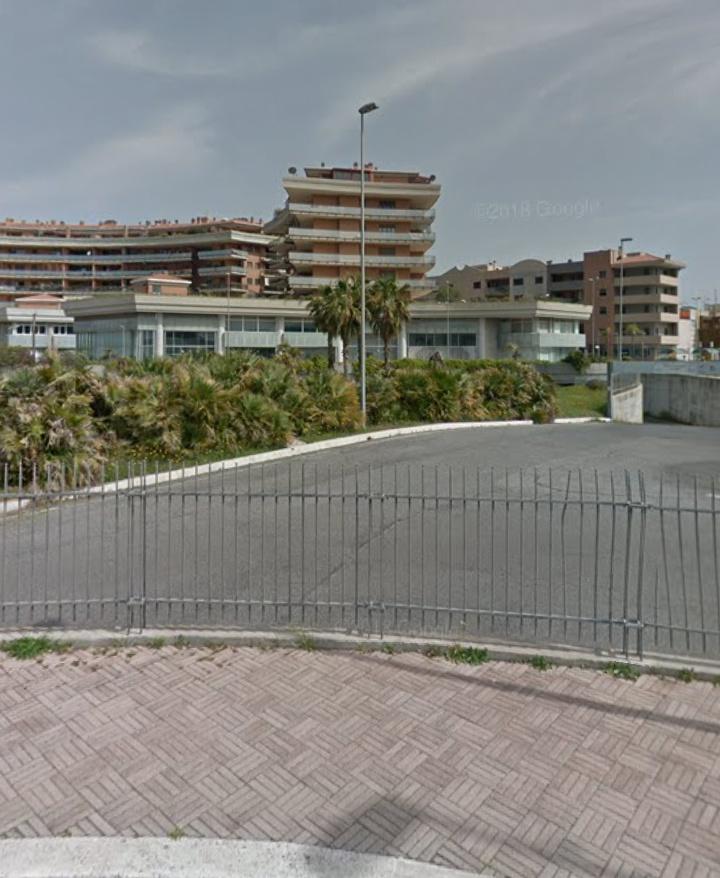 Box / Garage in vendita a Fiumicino, 1 locali, zona Zona: Parco Leonardo, prezzo € 17.500 | CambioCasa.it