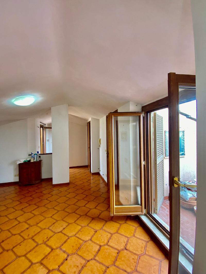 Attico / Mansarda in vendita a Fiumicino, 2 locali, zona a Sacra, prezzo € 95.000   PortaleAgenzieImmobiliari.it