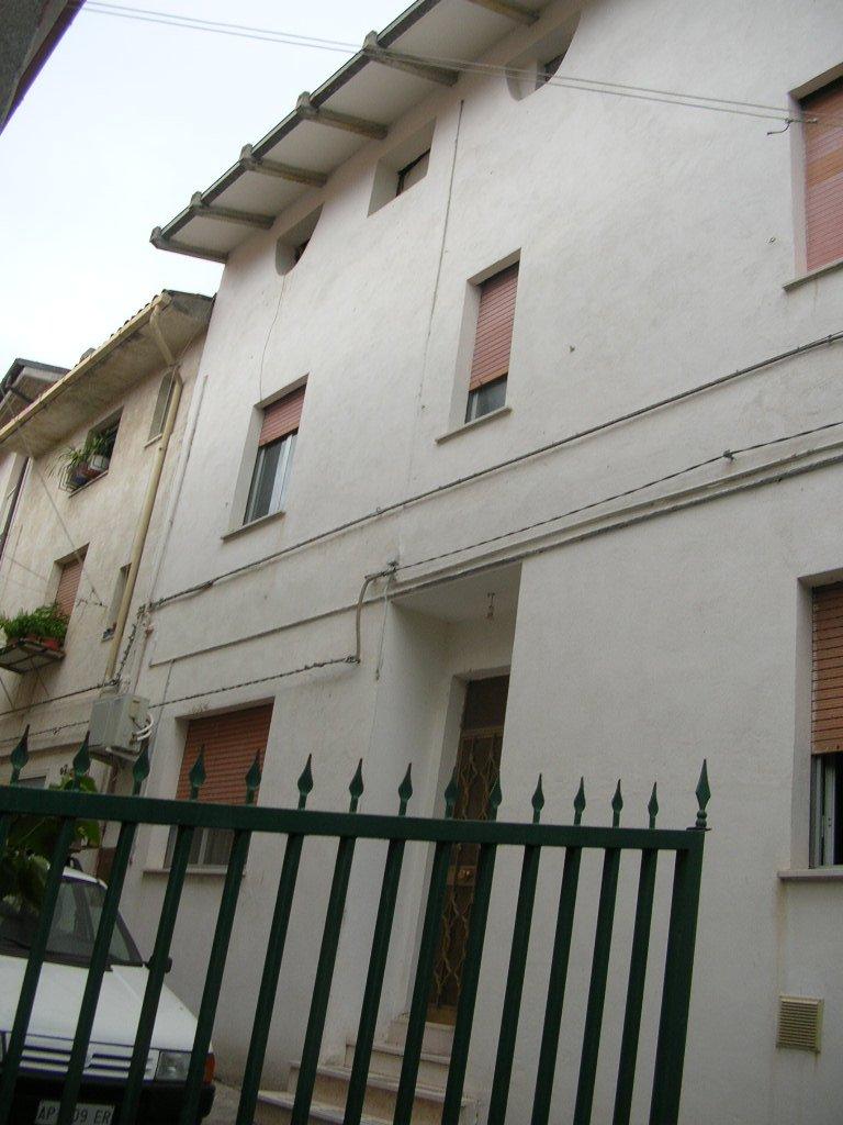 Soluzione Indipendente in vendita a Cupello, 5 locali, prezzo € 68.000 | PortaleAgenzieImmobiliari.it