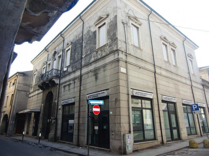Ufficio / Studio in vendita a Badia Polesine, 6 locali, prezzo € 158.000 | PortaleAgenzieImmobiliari.it