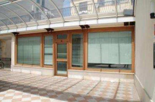 Immobile Commerciale in vendita a Rovigo, 3 locali, prezzo € 110.000 | CambioCasa.it