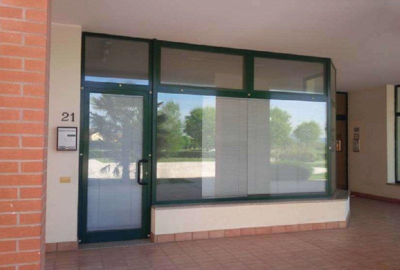 Negozio / Locale in vendita a Selvazzano Dentro, 3 locali, prezzo € 107.000 | CambioCasa.it