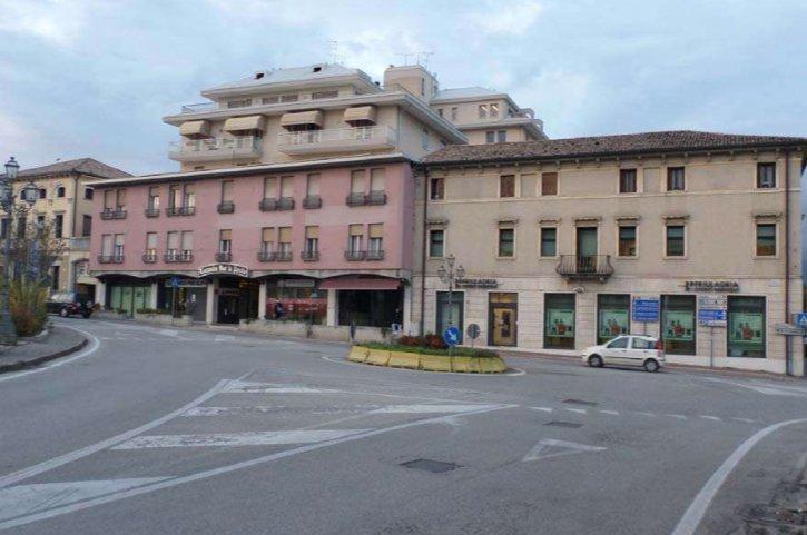 Ufficio / Studio in vendita a Pieve di Soligo, 5 locali, prezzo € 242.000 | CambioCasa.it