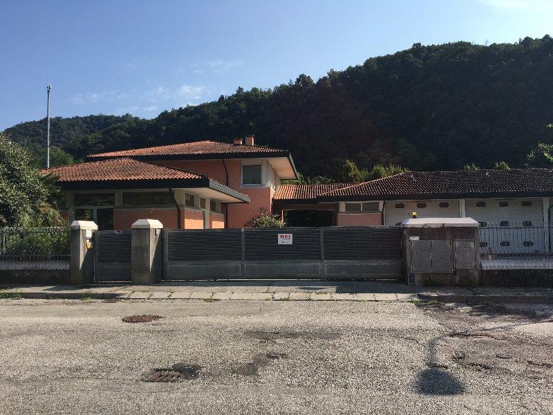 Palazzo / Stabile in vendita a Valdagno, 6 locali, prezzo € 740.000 | CambioCasa.it