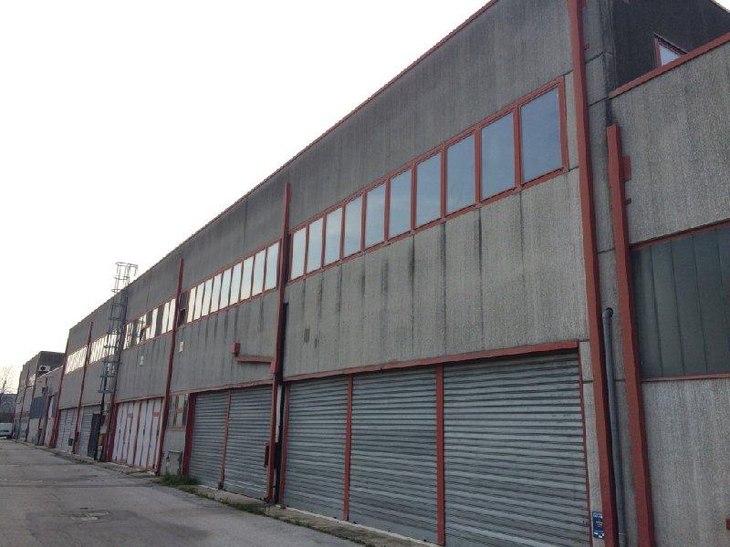 Ufficio / Studio in vendita a Rovigo, 1 locali, zona Zona: Centro, prezzo € 627.000 | CambioCasa.it