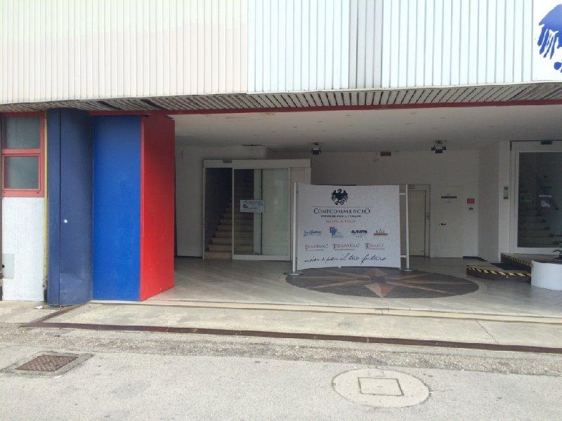 Ufficio / Studio in vendita a Rovigo, 1 locali, zona Zona: Centro, prezzo € 638.000 | CambioCasa.it