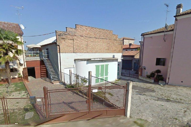 Magazzino in vendita a Ariano nel Polesine, 9999 locali, prezzo € 110.000 | CambioCasa.it