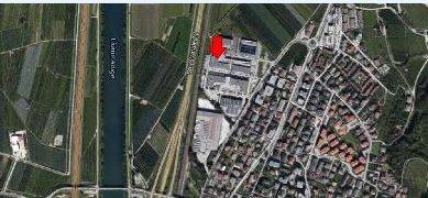 Immobile Commerciale in vendita a Trento, 9999 locali, prezzo € 420.000   CambioCasa.it