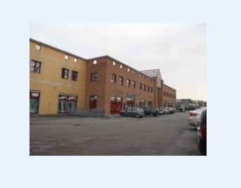 Negozio / Locale in vendita a Spresiano, 2 locali, prezzo € 506.000 | CambioCasa.it