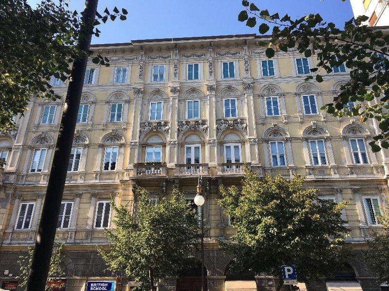 Ufficio / Studio in vendita a Trieste, 9999 locali, prezzo € 376.000 | CambioCasa.it
